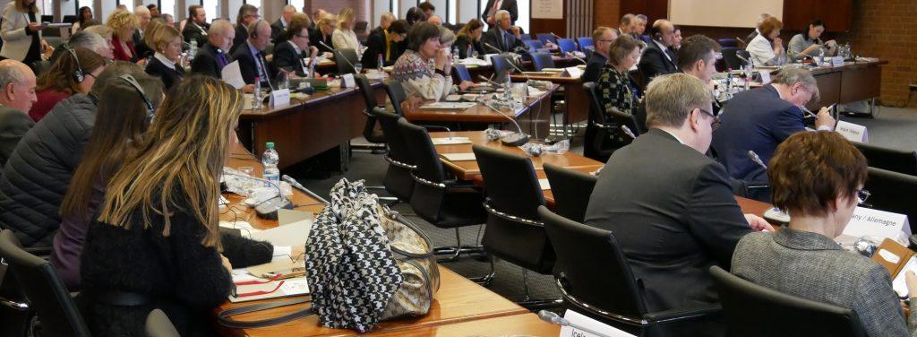 Schwer verständliche Sitzungsunterlagen erschweren die Arbeit in den politischen Gremien. Einfache Sprache hat auch im Verwaltungsdeutsch eine Bedeutung. Foto: Uwe Roth